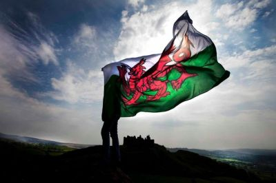 welsh-flag001-3012116
