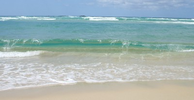 Waves_on_Straddie_beach
