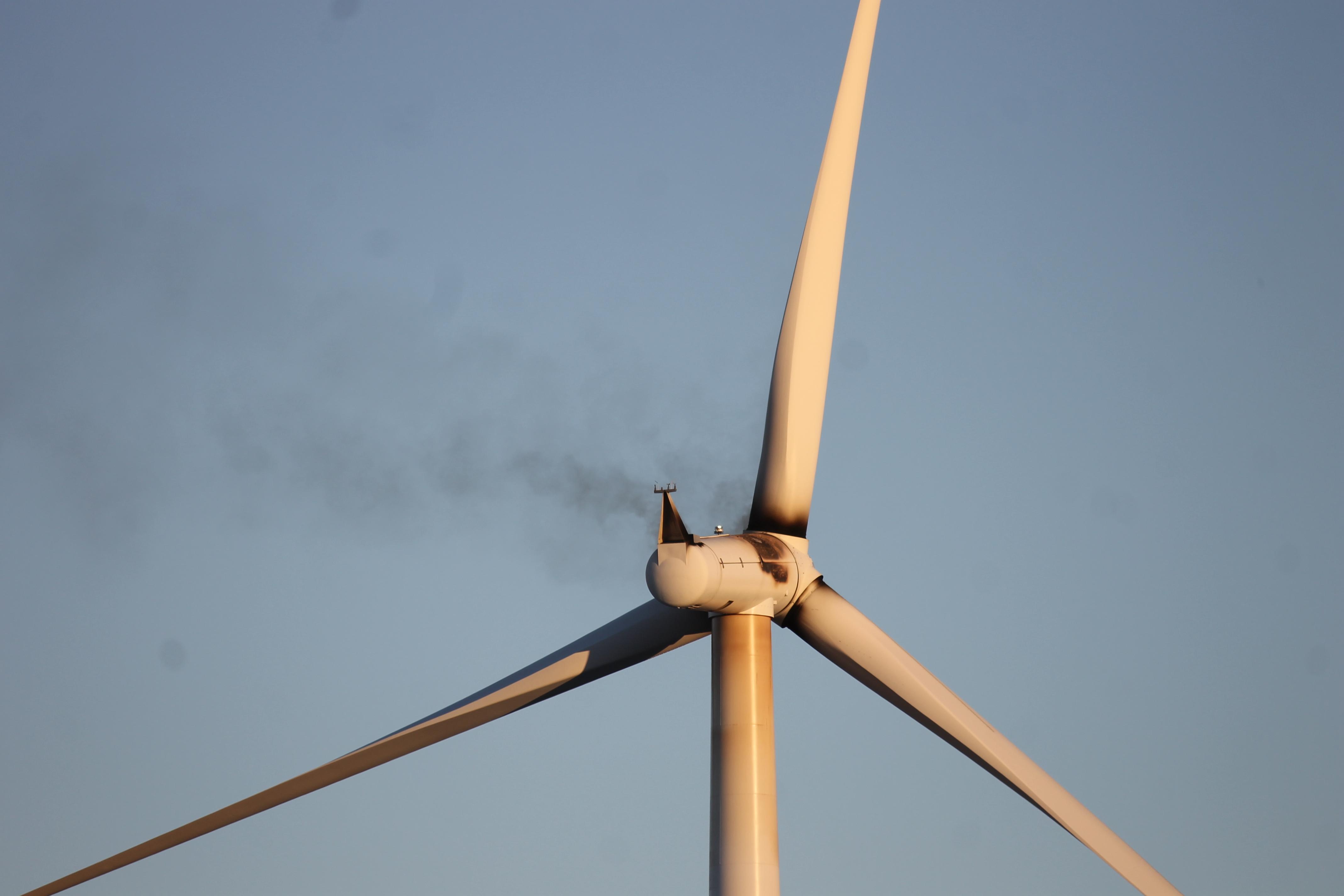 2 Year Old Siemens Turbines Falling Apart Wind Farm Investors