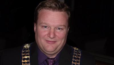 Mayor Backer  400