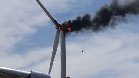 Texas turbine fire 04