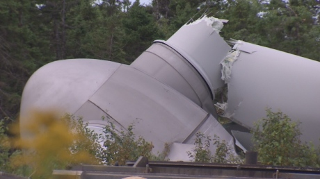 wind-turbine-collapse-point-tupper